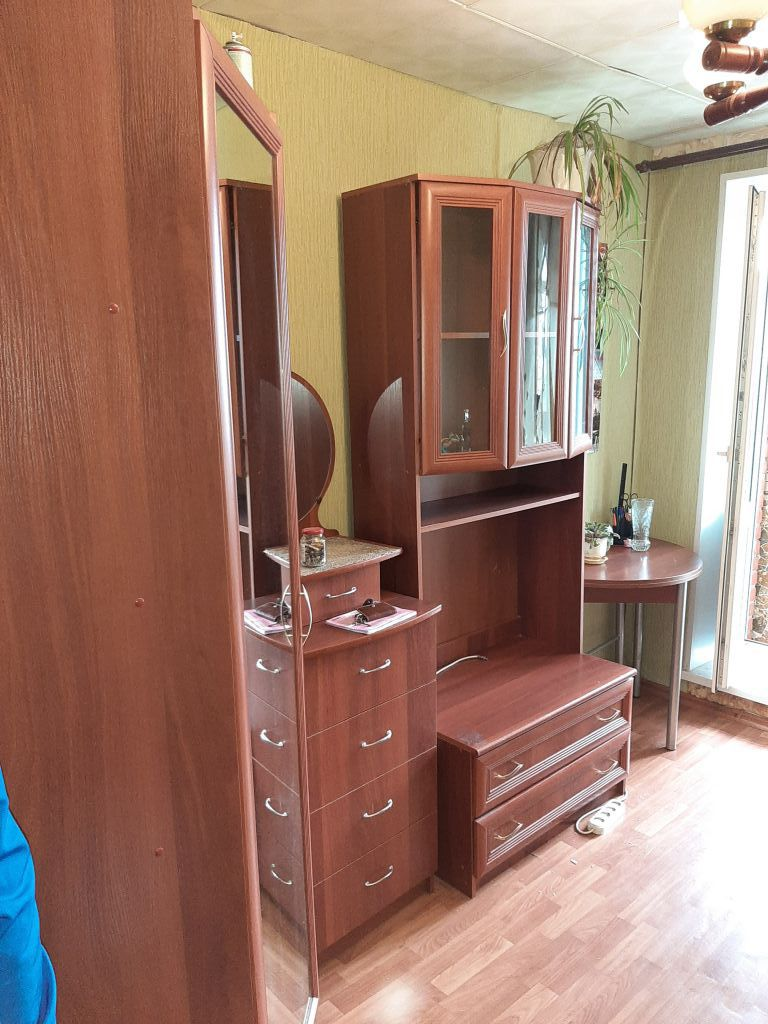 Комната на Металлургов 4