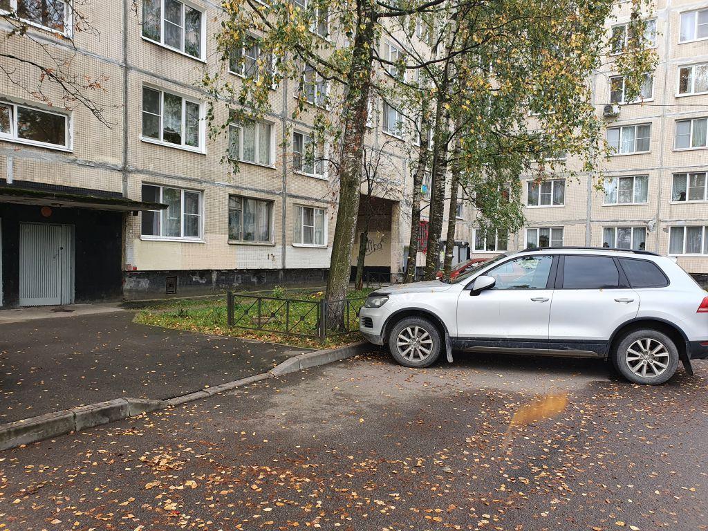 Продам 3-х комнатную квартиру на Заводском пр., 6