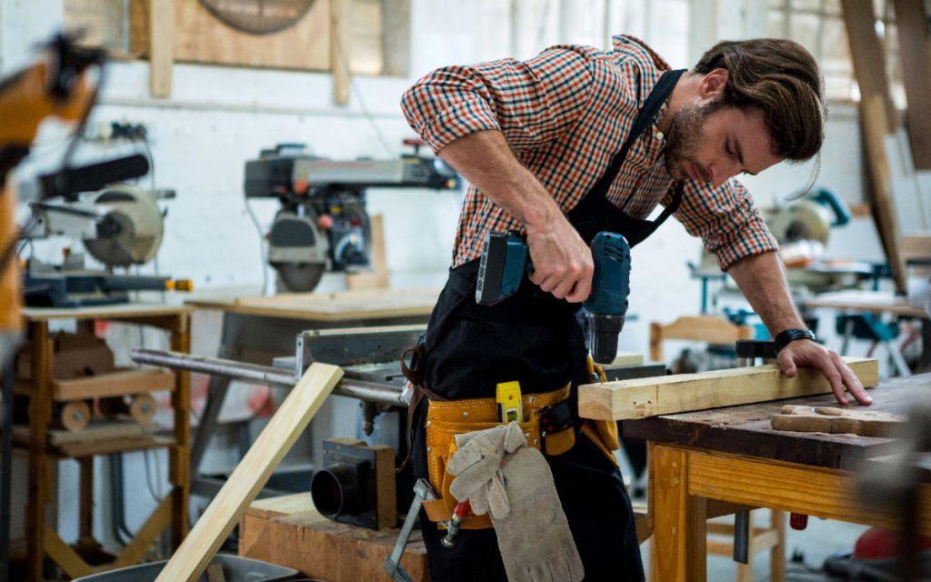 Требуются разнорабочие на деревообрабатывающее производство