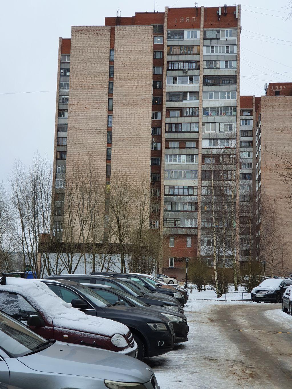 Продам 2 комнаты 12,2 кв.м. за 2400 тыс.руб.
