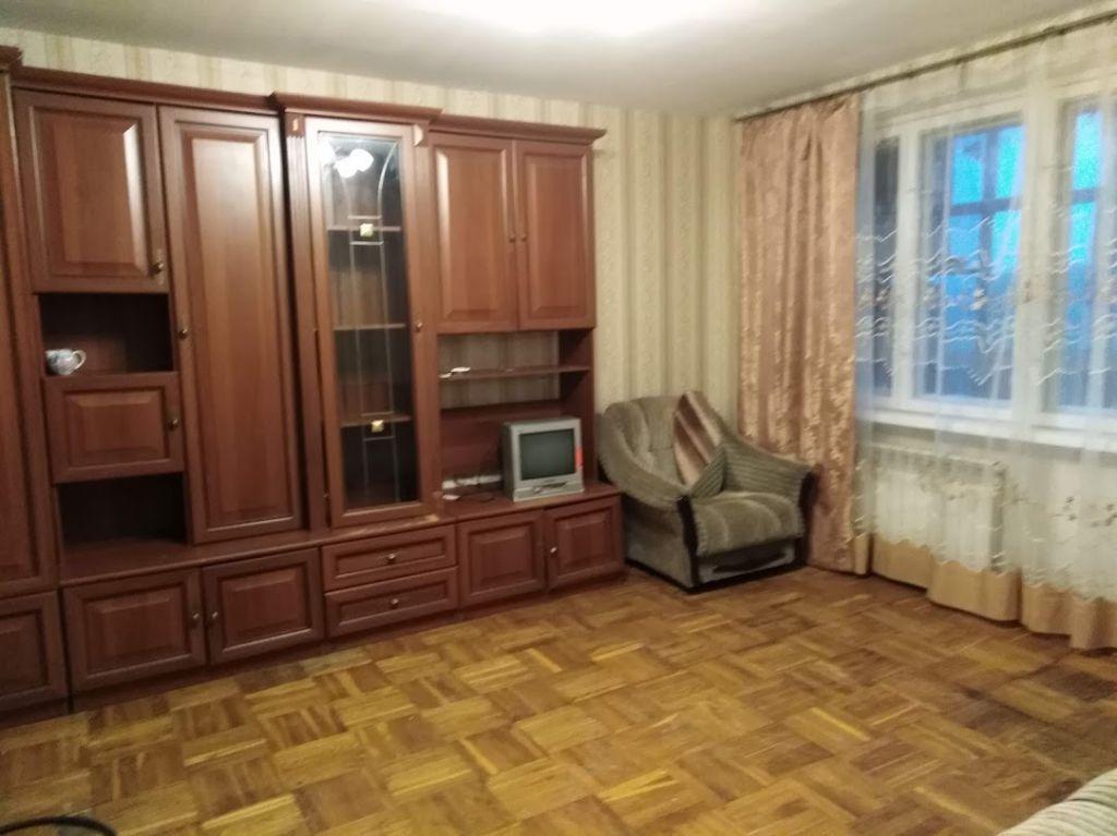Сдам комнату 18 м.кв.в двухкомнатной квартире